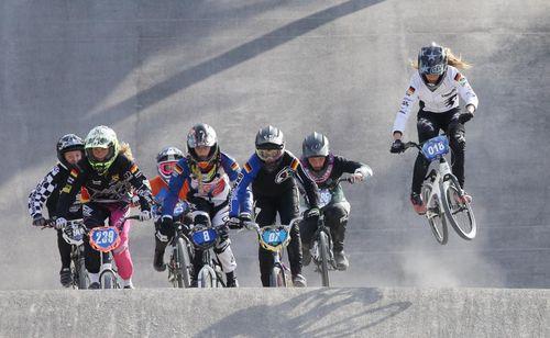 Tokio-Stipendium | SportRegion Stuttgart unterstützt BMX-Fahrerin Alina Beck