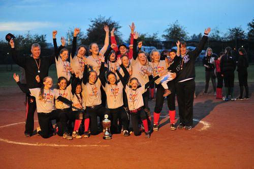 Softball   Stuttgarter Mädchen sind erstmals Deutscher Meister geworden